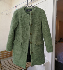 Zara zeleni teddy kaput