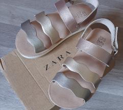 Snizeno! 75kn! Zara sandale 25