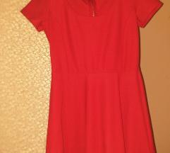 Prekrasna crvena haljina