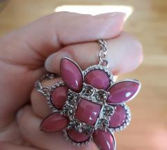 Ogrlica sa cvijetom