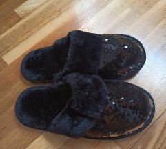 Nove crne kucne papuce 36/37