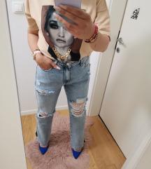 Traperice jeans boyfriend novo