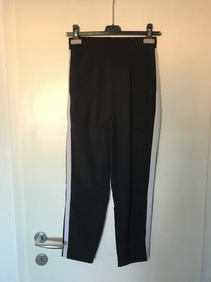 Crne stradivarius hlače s bočnom crtom