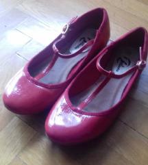Crvene lakirane balerinke