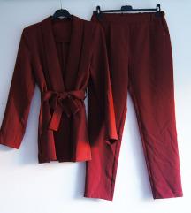 Odijelo crveno novo