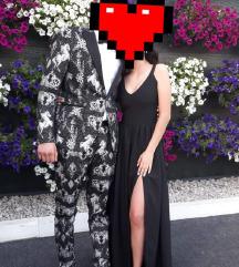 Crna haljina sa prorezom