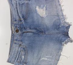 Bershka kratke traper hlače