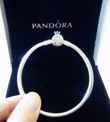 Pandora narukvica + privjesci