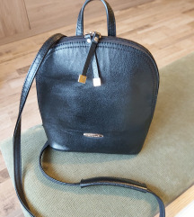 Mali crni ruksak/ torbica