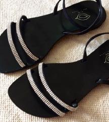 NOVO crne sandale sa remenom oko gležnja
