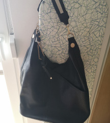 Crna torba na jedno rame