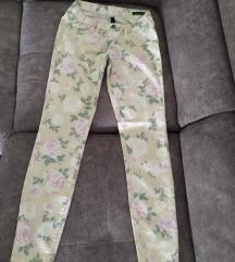 Benetton cvjetne hlače S