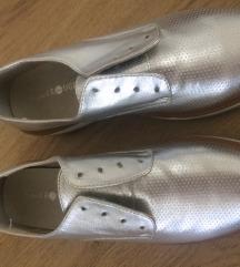 Nove nikada nošene cipele - vel. 38