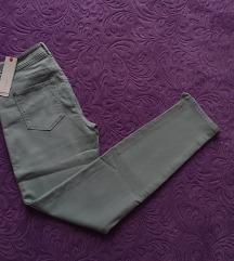 Esprit mint mom jeans hlače NOVO