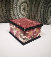 Unikatna nova decoupage kutija, rucni rad
