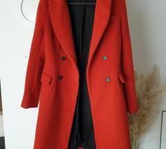 Zara crveni vuneni kaput