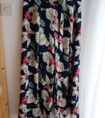 Nenošene lepršave hlače