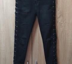 traper crne hlače