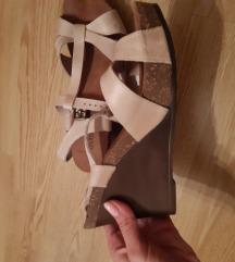 Nove sandale na punu petu
