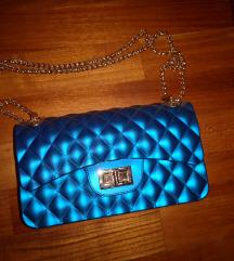 Tamno plava torbica sa zlatnim remenom