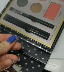 Potpuno novo set šminke