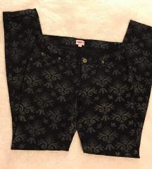 Crne hlače/traperice