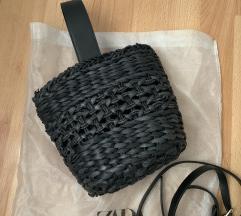 Zara pletena crna torba