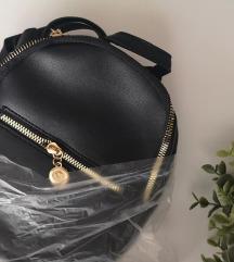✨NOVO crni mini ruksak ✨