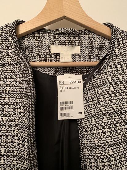 H&M kaputic s etiketom