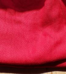 Pašmina izrazito crvene boje