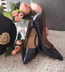 Lakirane cipele / štikle