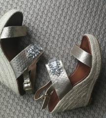 Ženska sandala puna peta zlatna