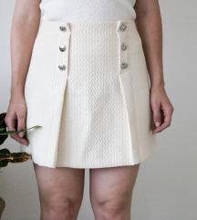 Mini suknja boje bijele kave