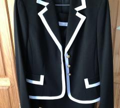 Taharii odijelo