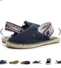 Tommy hilfiger nikad nošene original