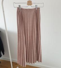 Plisirana suknja s vel