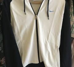 Nike hoodica