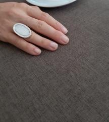 Srebrni veliki prsten