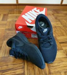 Nike tenisice 37,5 (255 kn)