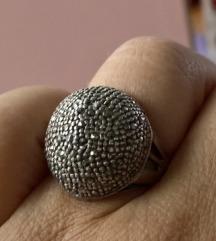 Prsten srebro markeziti