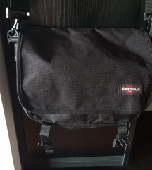Nova Eastpak torba crna