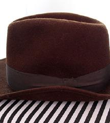 Novi tamno smeđi šešir od prave zečje dlake!!!