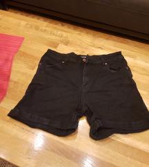 reserved kratke hlače vel 40