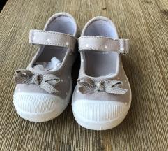 Papuče za curicu