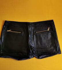 Crne kožne kratke hlače