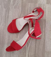 Crvene sandale block peta