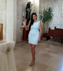 Svijetlo plava svečana haljina