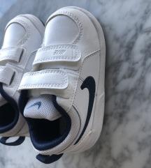 Nike djecje tenisice vel  22