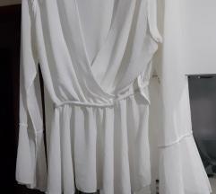 Bijela bluza sa volanima%
