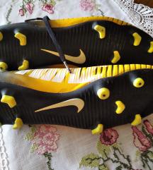 Nike kopačke 42,5